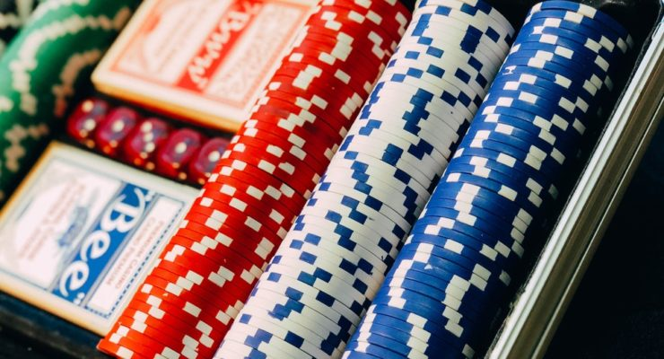 How To Play Poker Sensibly To Boost Your Savings